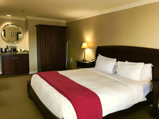 Cupertino Hotel Photo