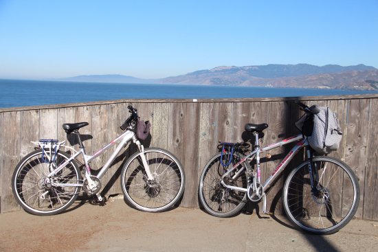 Blazing Saddles Bike Rentals and Tours : Yendo por la costa hasta el puente Golden gate