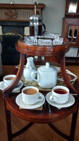 Rockcrest House Kenmare: Welcoming tea, coffee, and cookies!