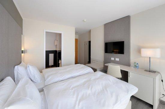 Hotel Prealpina: Guest room