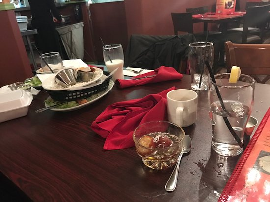 Ladysmith, Canada: eating dessert around our dirty meal dishes