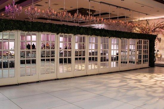East Rutherford, NJ: Ballroom