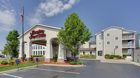 Hampton Inn and Suites Chincoteague-Waterfront: Exterior