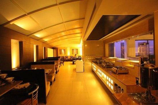 Hotel Chanchal Deluxe: Restaurant