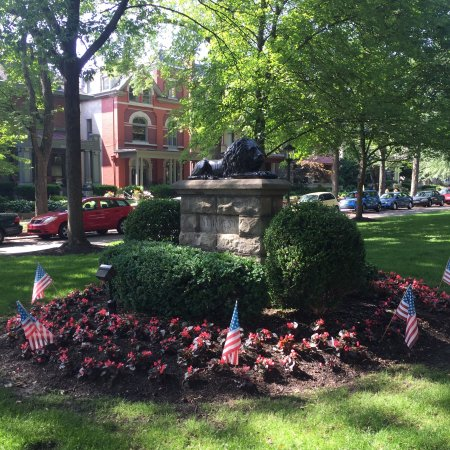 Old Louisville: Tea Party Tribute