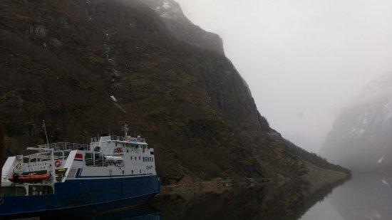 Gudvangen, Noruega: IMAG7509_large.jpg