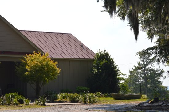 Summerton, SC: The Lake House - The Lake's Best Kept Secret! Welcome Home!