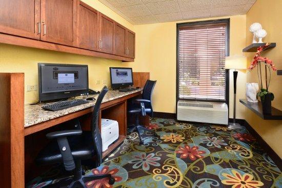 Cornelius, NC: Business center