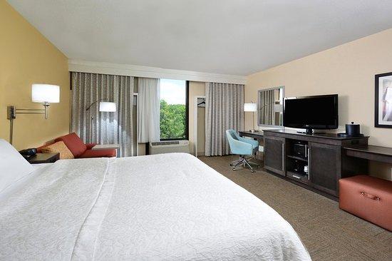 Cornelius, NC: Guest room