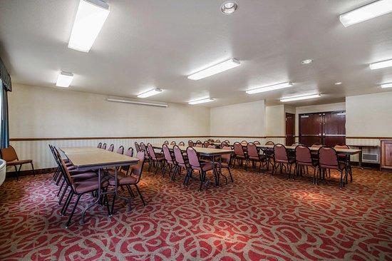 Waupaca, WI: Meeting room