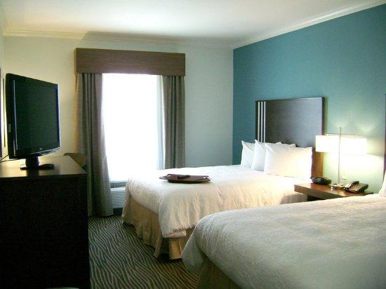 Hampton Inn & Suites Port Aransas : Guest room