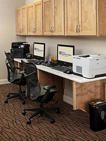 Breinigsville, PA: Business center