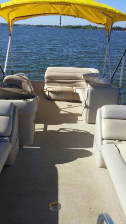 Lake Dallas, TX: 22 foot pontoon for 10-12 people