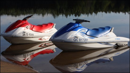 Lake Dallas, TX: Yamaha Wave Runners / Jet Skis  Best suited for 2 people