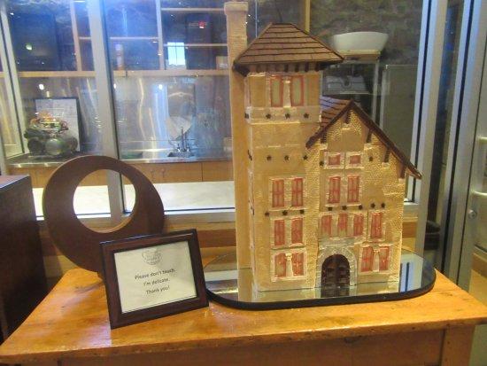 St. Helena, CA: Holiday Gingerbread House, CIA Greystone, Napa Valley (Dec. 2017)