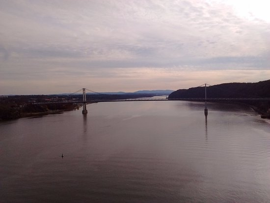 Poughkeepsie, Νέα Υόρκη: The majestic Hudson River, looking south.