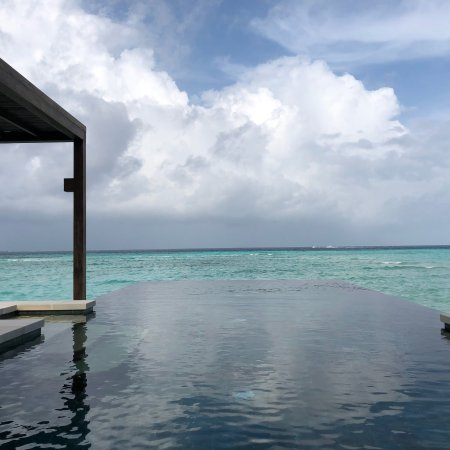 Four Seasons Resort Maldives at Kuda Huraa: photo0.jpg