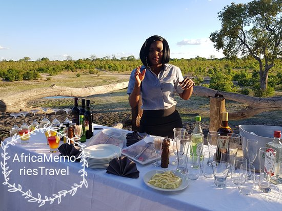 Elephant's Eye, Hwange: Sundowners from the sleep out