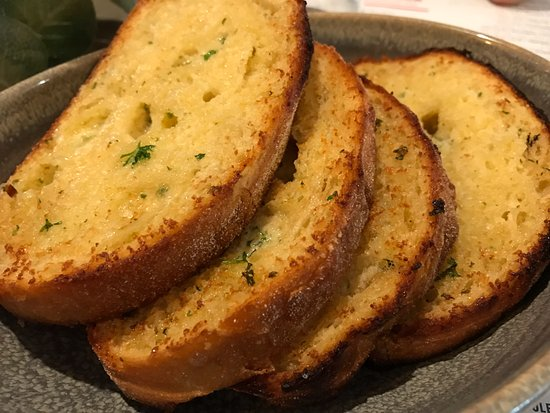Bistro Bellavista : garlic bread