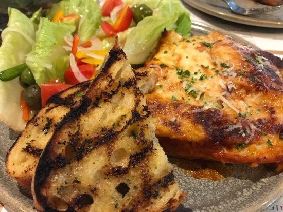 Bistro Bellavista : beef lasagne