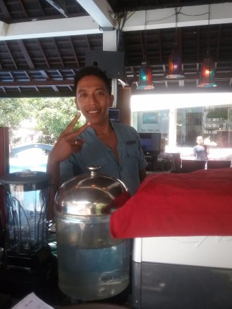 The Breezes Bali Resort & Spa: Barman was Excellent