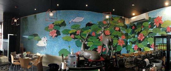 Red Lounge Café