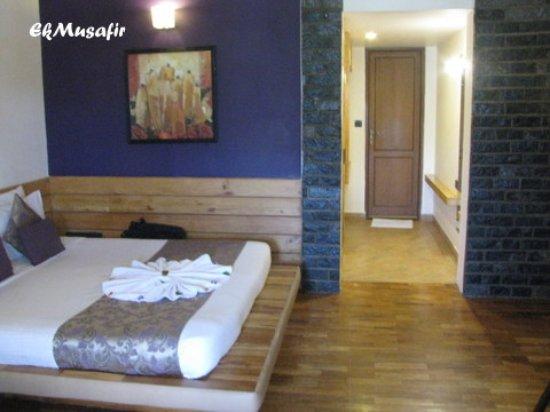 Zest Danish Villa: Cosy room with wooden flooring.