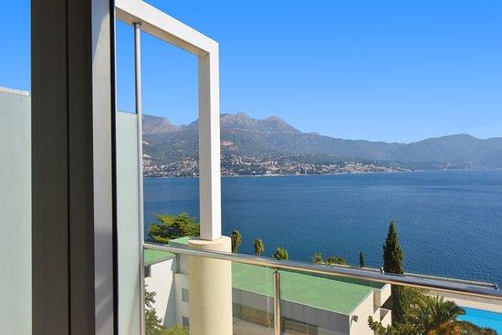Igalo, Montenegro: Junior Suite Sea View