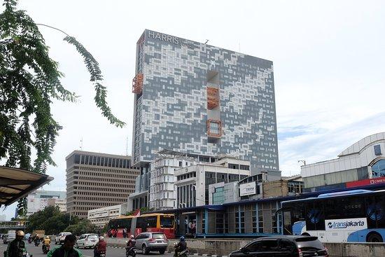 View From Jalan Gajah Mada Picture Of Yello Hotel Harmoni Jakarta Tripadvisor
