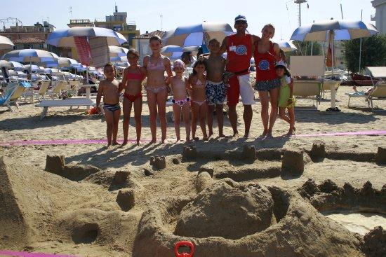 Giochi in spiaggia vacanze rimini bimbi foto di spiaggia bagno egisto 38 viserba tripadvisor - Bagno 38 rimini ...