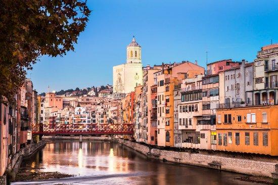 Girona, España: Fantástica ciudad. Tenemos ganas de contarte porqué lo es.