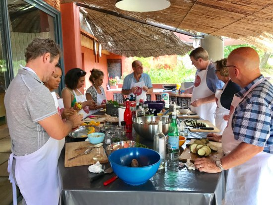 St-Rémy-de-Provence, Frankreich: Perfect setting for some fun & hands on cooking in my countryside home