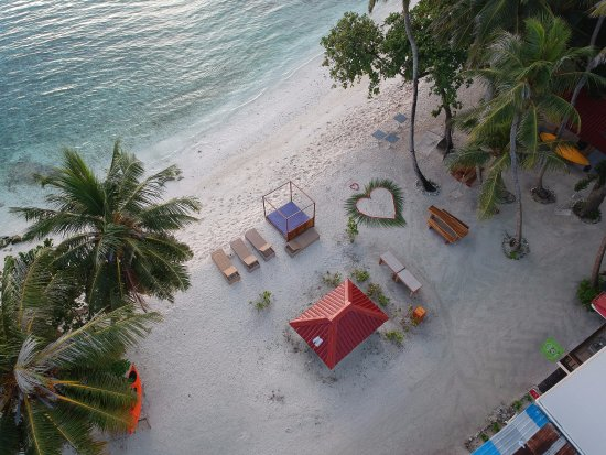 Canopus Retreat Thulusdhoo: Beach decorated for a special dinner <3