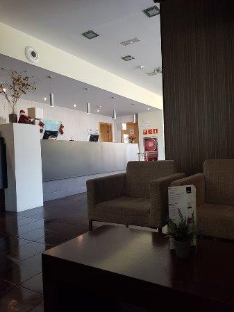 Holiday Inn Express Barcelona-Sant Cugat: 20171204_115502_large.jpg