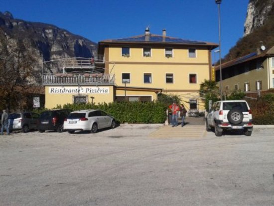 Faedo, Italy: Esterno