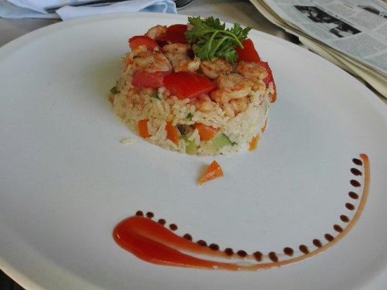 Le Carré : Brick sardine et tomates confites, et bol renversé aux crevettes 😊