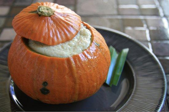 San Sai, Tailândia: Thai custard in pumpkin dessert.