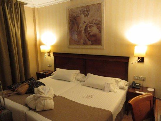 Hotel Becquer: Quarto