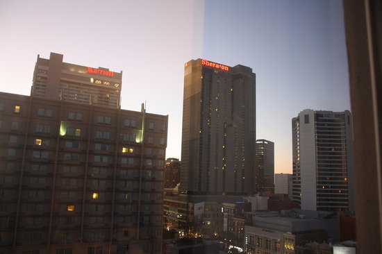 Crowne Plaza Hotel Astor-New Orleans: Right on Canal Street