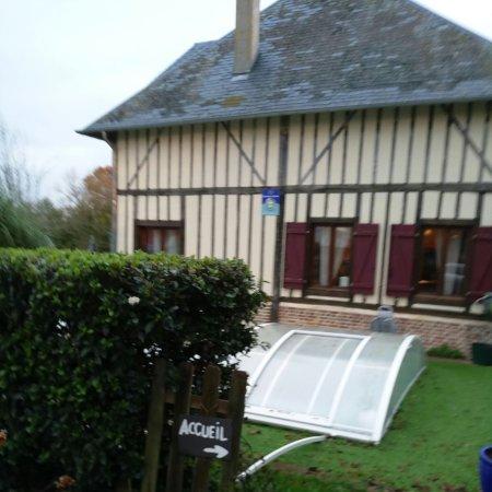 Saint-Ouen-des-Champs, France : P71204-090132_large.jpg