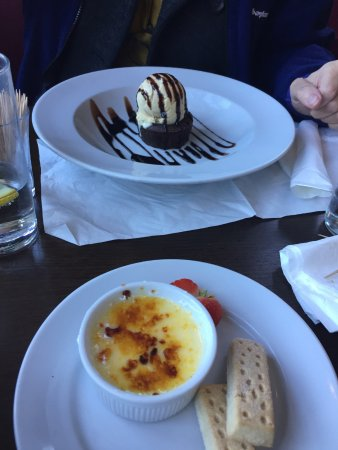 Manningtree, UK: Two puddings plus bland crème brûlée