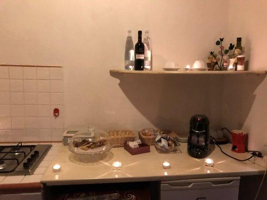 Lorenzana, Italia: Suite Ruby - la cucina