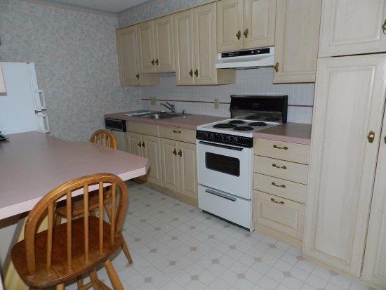 Rhinelander, WI: Full Kitchen