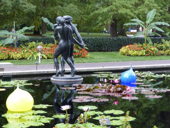 Stsatuette For Outdoor Ponds: Picture Of Missouri Botanical Garden