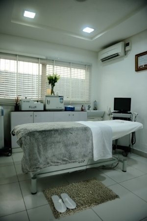 Ikoyi, Nigéria: Benefits of Facials at Oasis Medspa, it relieves congestedskin ,it refins your skin texture