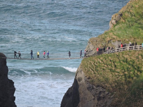 Chauffeur Tours of Ireland: Carrick-a-Rea  Rope Bridge