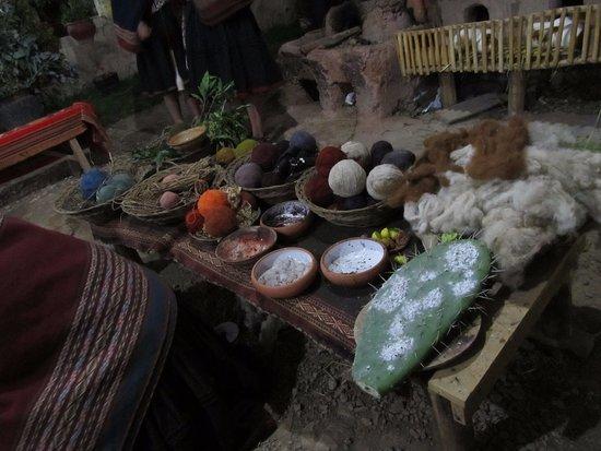 Chinchero, Peru: Corantes naturais