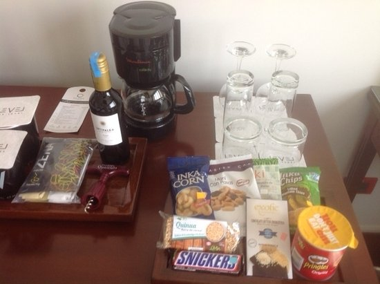 Hotel Melia Lima: not a tray for the glasses