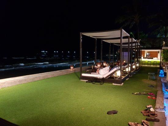 Oceanside Beach Club Restaurant Review