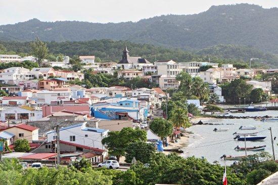 Ti Paradis: Blick vom Balkon auf den Ort